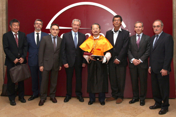Japan's Consul General enters the Royal European Academy of Doctors.