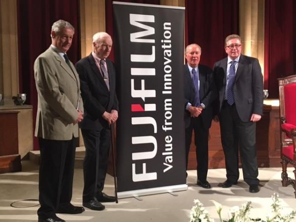 Fujifilm en colaboración con CEJE explicó las claves de cómo reinventarse en tiempos difíciles