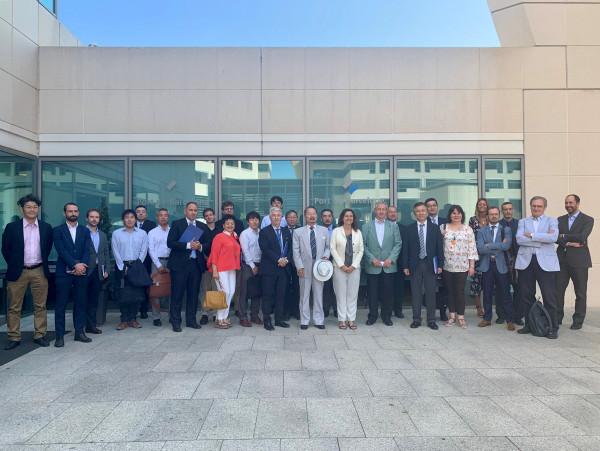 日本とスペインのビジネスコミュニティのメンバーたちが、日本の大企業が集結するバルセロナ港湾局を訪問