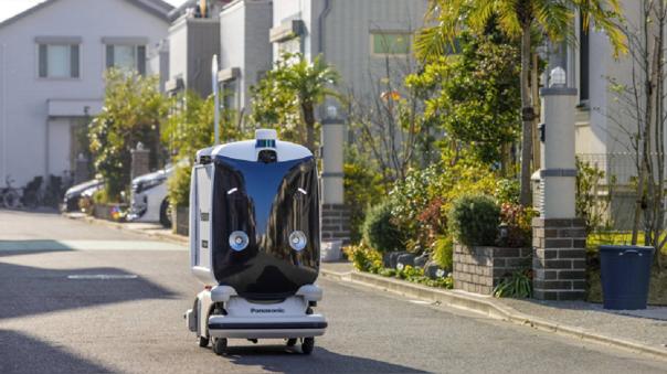 Panasonic estrena su nuevo carro repartidor autónomo
