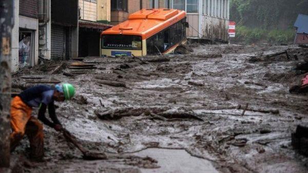 Deslave de tierra en Japón deja al menos 80 desaparecidos